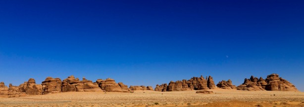 Madain_saleh_panorama_-_Saudi_Arabia